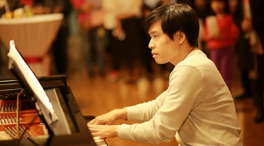 NGHỆ SĨ PIANO, PHÓ GIÁO SƯ, TIẾN SĨ NGUYỄN HUY PHƯƠNG PHẦN THƯỞNG LỚN NHẤT LÀ KHÁN GIẢ HÀI LÒNG
